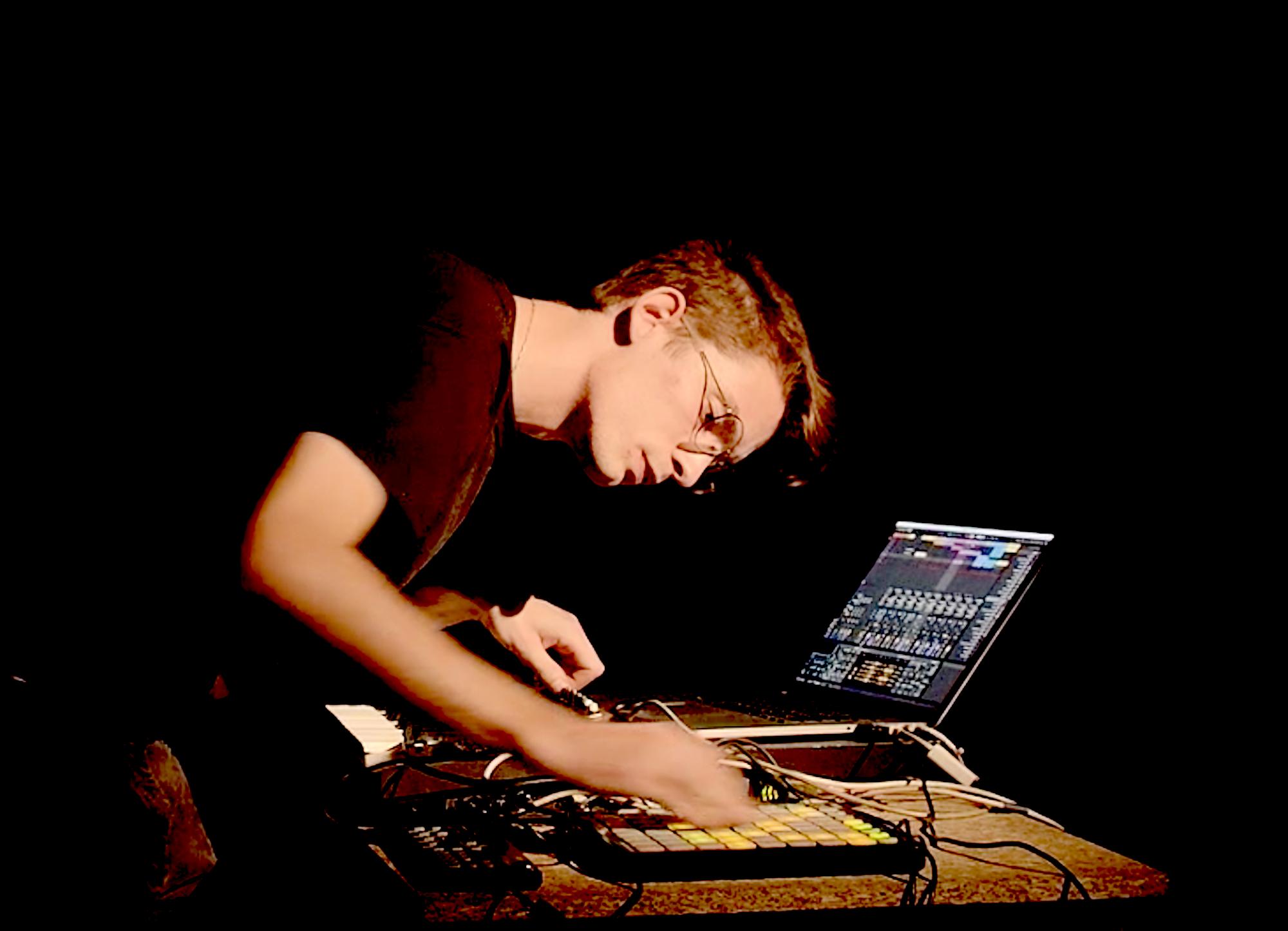 Dominic Jasmin - kohlenstoff - Amphigouri
